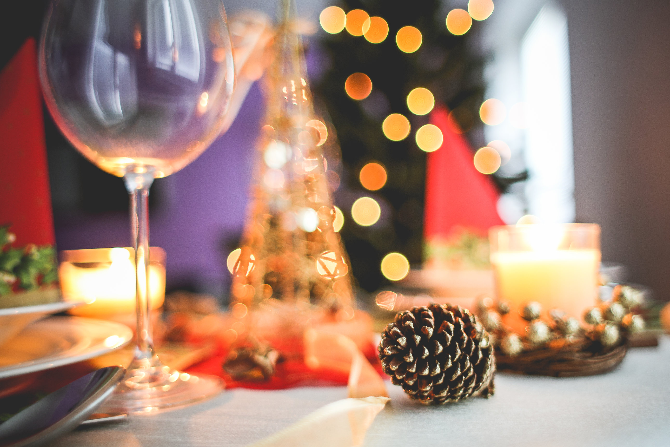 10 Tips On How To Host A Successful Holiday Party