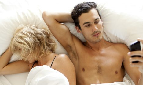 5 Signs Your Significant Other Is Cheating On You (And How To Find Out)
