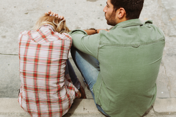 13 Tell-Tale Signs You're In An Unhealthy Relationship | Hero Searches Grapevine