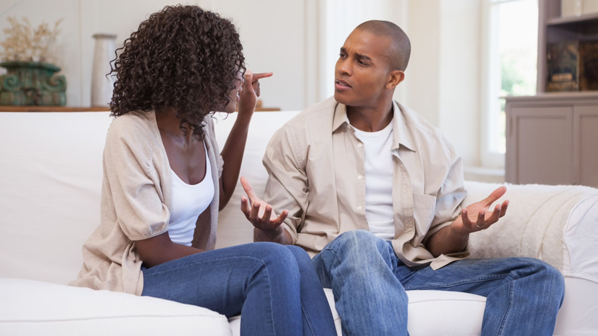 6 Signs it's Time to Ditch Your Boo: We're Just Trying to Help!